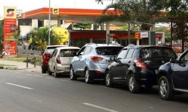 Sonangol culpa clientes e divisas pela escassez de combustíveis