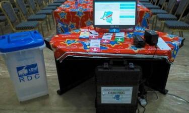 Eleições adiadas para Março em zonas de conflito e afectadas pelo Ébola