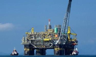 Angola prevê aumentar produção petrolífera