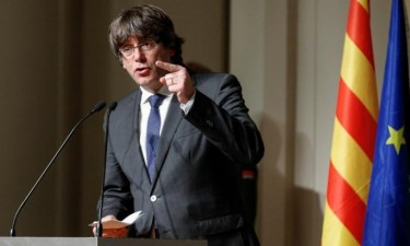 Suspenso mandado de detenção europeu contra Puidgemont e Comín