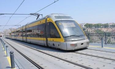 Metro de Superfície arranca com modelo que 'fragilizou' antigo ministro dos Transportes