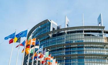 Líderes da UE discutem plano de recuperação económica