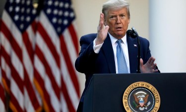 Trump suspende temporariamente imigração para os EUA