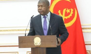 João Lourenço empossa comandante do Exército