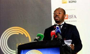 Angola garante que vai pagar dívida comercial mesmo com juros elevados