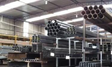 Materiais de construção disparam nos mercados formal e paralelo