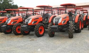 Governo financia a fundo perdido aquisição de 500 tractores