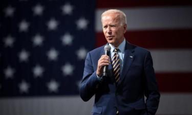 Biden é hoje empossado numa Washington deserta e fortemente vigiada