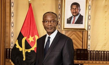Bornito de Sousa representa chefe de Estado em investidura no Gana