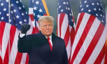 Twitter bloqueia conta de Trump