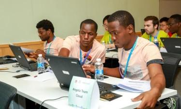Huawei apoia estudantes universitários de Benguela