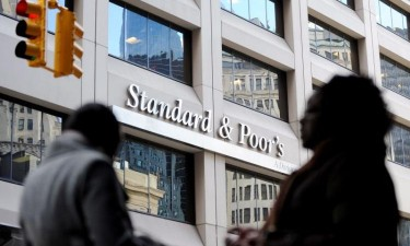 Standard & Poor's decide manter 'rating' de Angola em CCC+