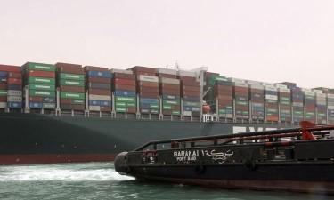 200 mil toneladas entupiram  as rotas comerciais marítimas