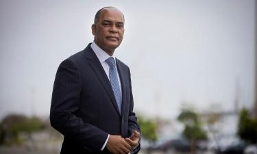 """Líder da Unita suspeita de um """"golpe constitucional"""""""