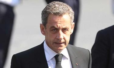 Nicolas Sarkozy condenado a três anos de prisão