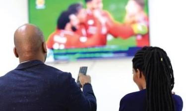 Governo suspende televisões ligadas a Isabel dos Santos e à IURD