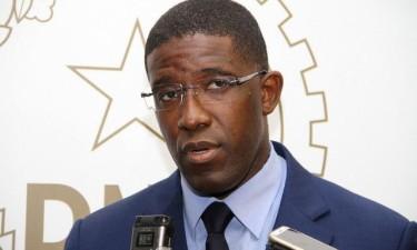 Exonerado Sérgio Santos, ministro da Economia