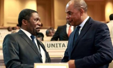 Samakuva reassume presidência da UNITA e pede tranquilidade
