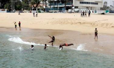 Encerramento de praias e piscinas aumentam dificuldades