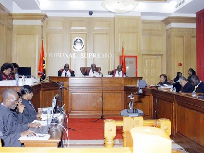 Juristas divididos sobre desentendimento entre juiz e advogada