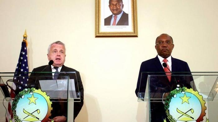Angola 'obrigada' a recuar nas relações com a China, Rússia e a apoiar Guaidó