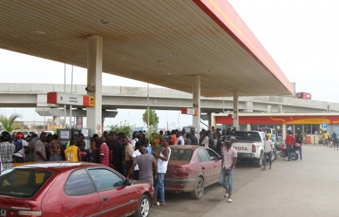 Crise dos combustíveis e outras colocam o país em alerta