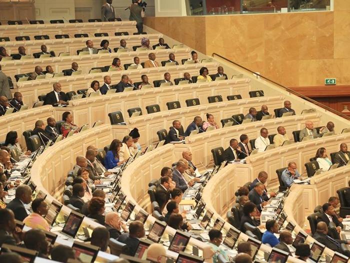 Deputados fecham pacote legislativo autárquico