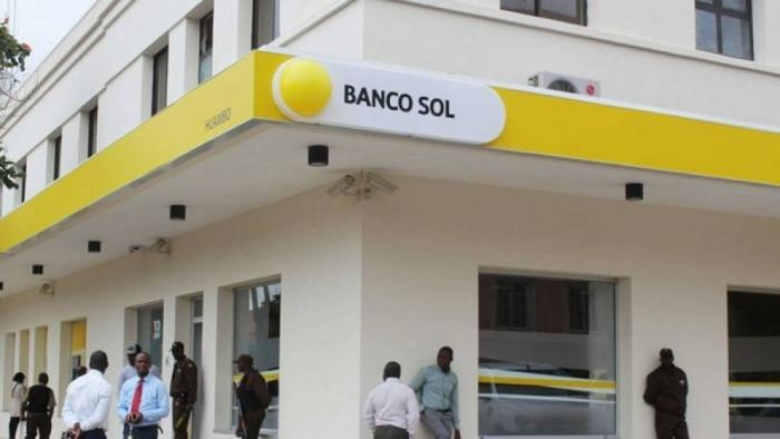 Lucros do Banco Sol 'afundam' em mais de 50%