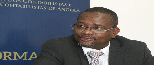 """""""Ninguém em Angola penaliza quem não apresenta contas"""""""