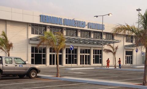 Enana extingue terminal de voos domésticos