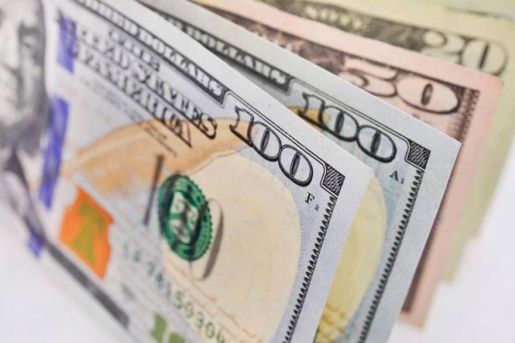 Mercado reage aos Eurobonds de Angola com oferta significativa