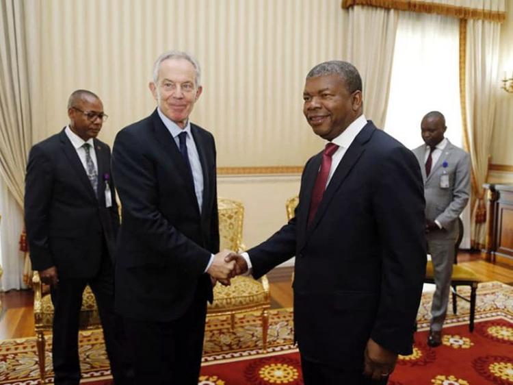 Antigo primeiro-ministro britânico em Luanda