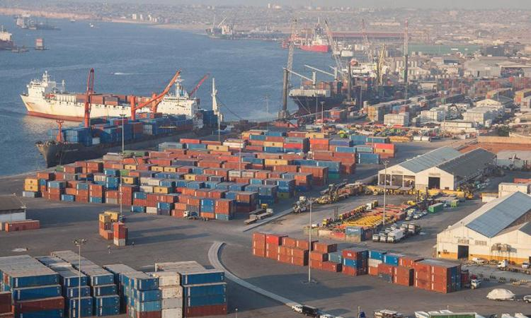 Porto encerra ano com sete milhões de toneladas