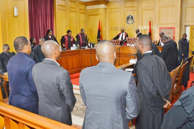 Directora do BNA garante que a transferência obedecia a regras bancárias