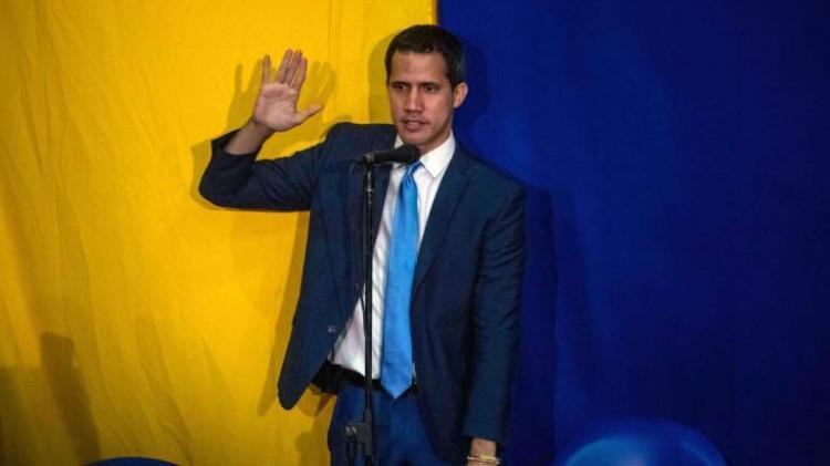 Juan Guaidó reeleito presidente do Parlamento