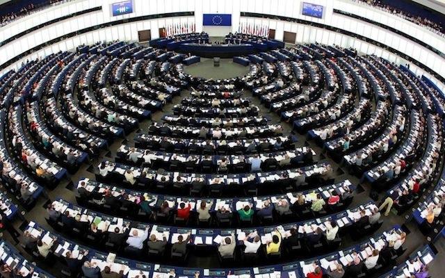 """Parlamento Europeu """"carimba"""" hoje saída do Reino Unido da UE"""
