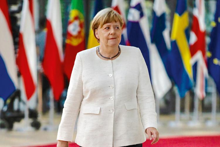 Ângela Merkel em quarentena