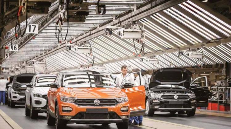 Autoeuropa reduz produção diária em 16%