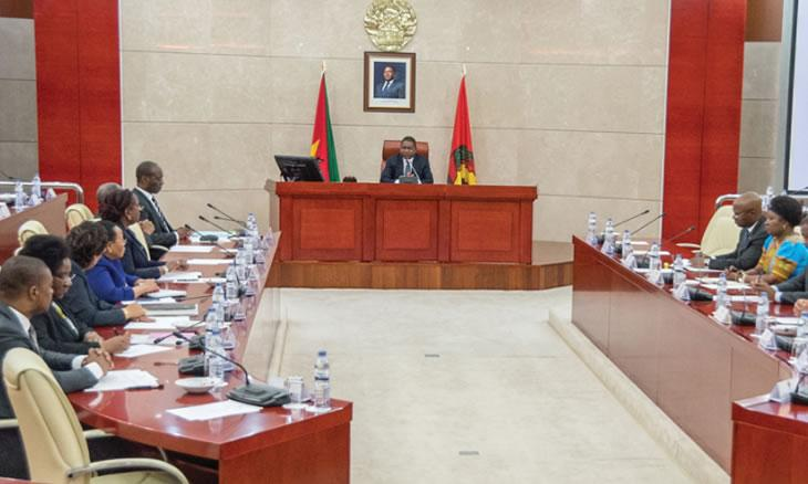 COVID-19 pode obrigar Moçambique a rever orçamento