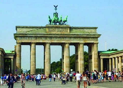 Suspensa maior feira de turismo do mundo