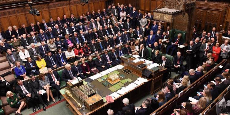 Parlamento britânico encerrado