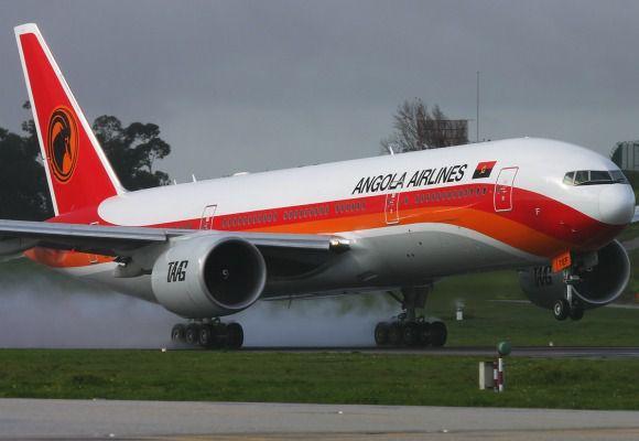 TAAG recebe primeira aeronave Dash8-400s