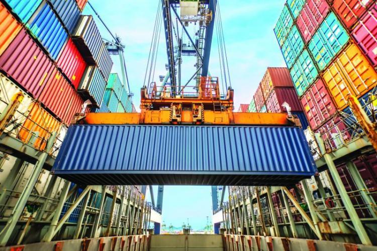 Angola gastou 451 milhões USD com importações