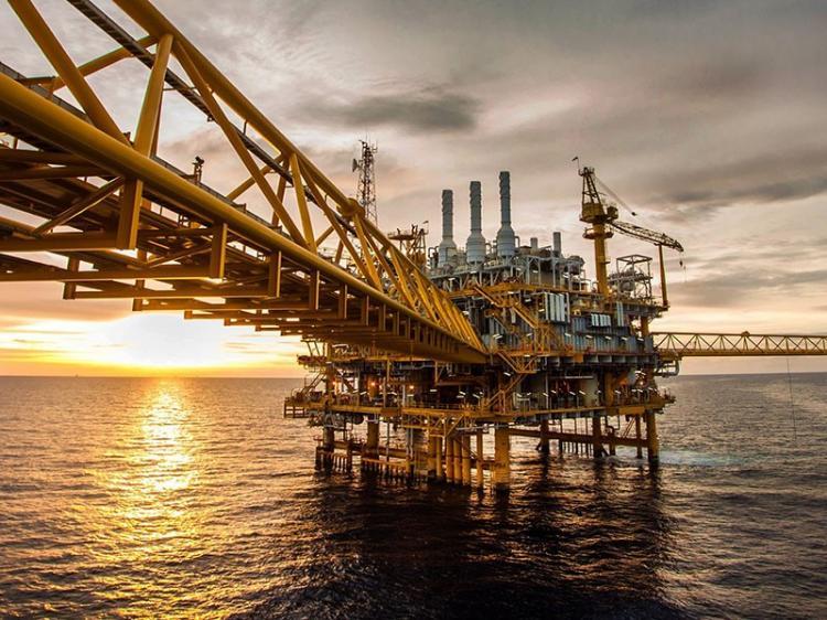 Angola perde no mínimo 1.514 milhões USD com corte na produção