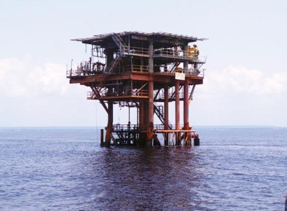 Petrolíferas trabalham sem interrupções