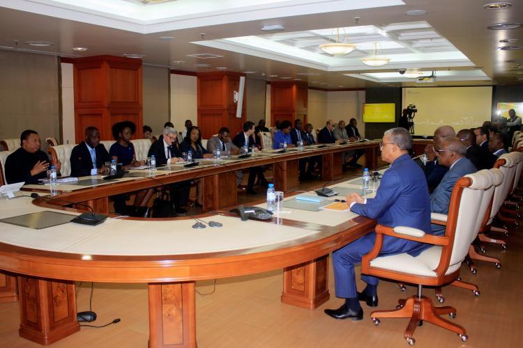 Produtores de petróleo africano pedem acordo na OPEP