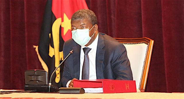 Angola interrompeu renegociação da divida por três meses