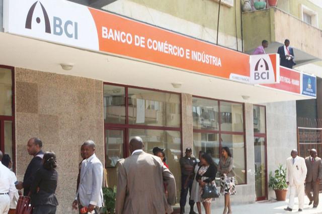 Governo vai vender acções no BCI