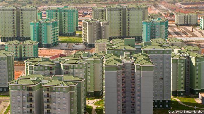 Angola com menos edifícios licenciados