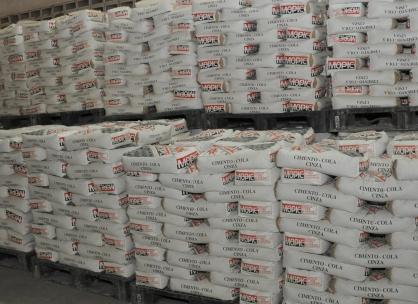 Angola prevê exportar 75 toneladas de cimento cola